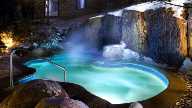 le-westin-tremblant-outdoor-heated-pool